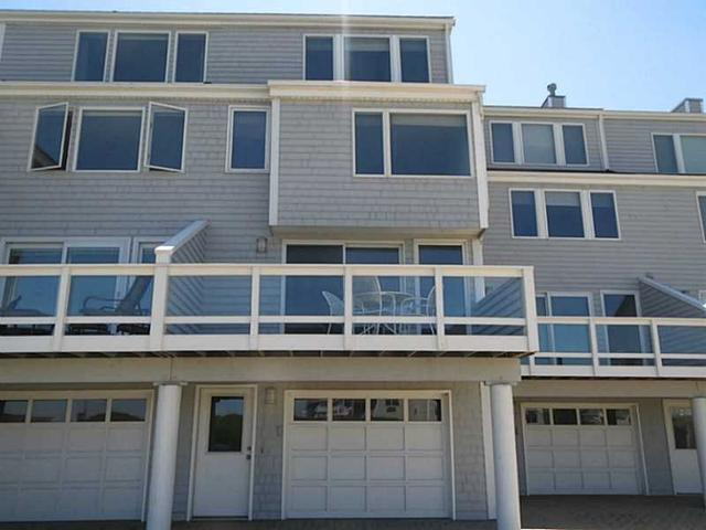 29 Courtway St #APT 29, Narragansett RI 02882