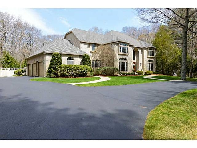 6 Brookfield Ct, East Greenwich RI 02818