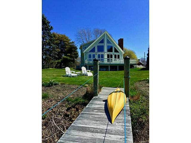 16 Gull Rd, Narragansett RI 02882
