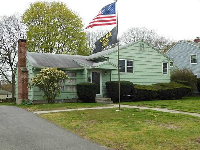 12 South Dr, Westerly RI 02891