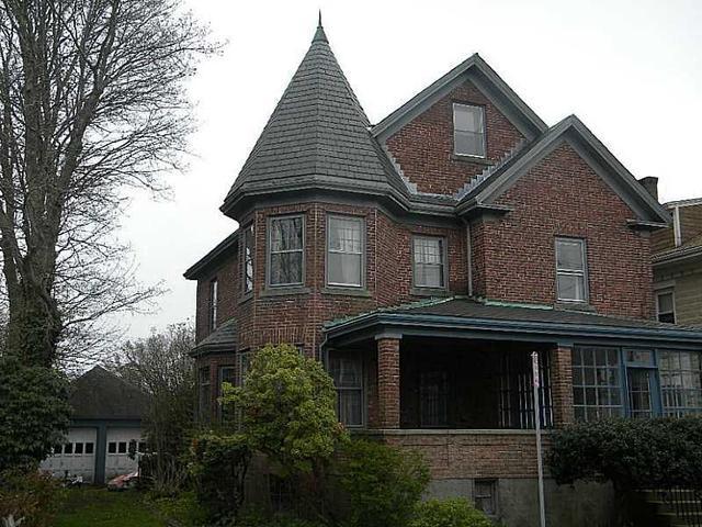 21 Bedlow Ave, Newport RI 02840