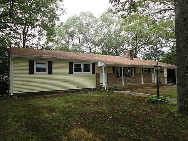 18 Esther Dr, North Providence, RI