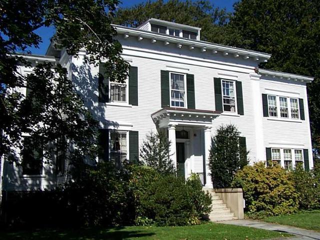 12 Mount Vernon St #APT 5, Newport RI 02840