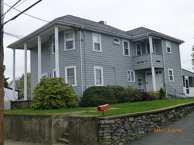 149 Titus St, Cumberland RI 02864