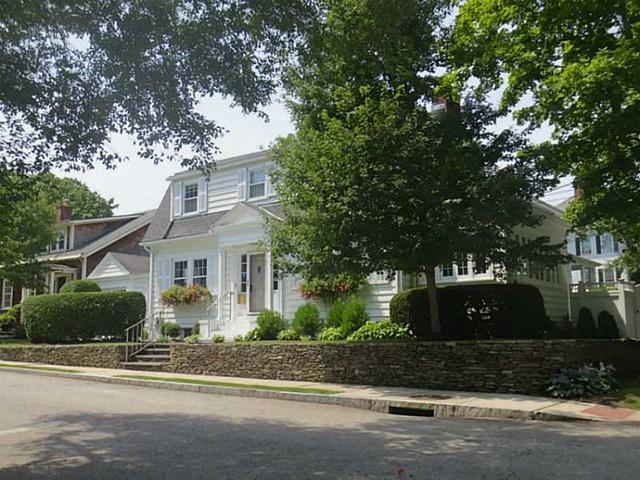 41 Hunter Ave, Newport RI 02840