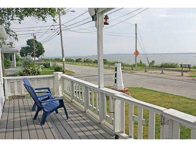 37 Shore Dr Barrington, RI 02806