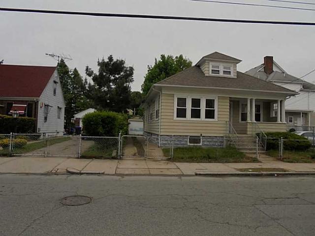 118 Lowell Ave, Providence, RI