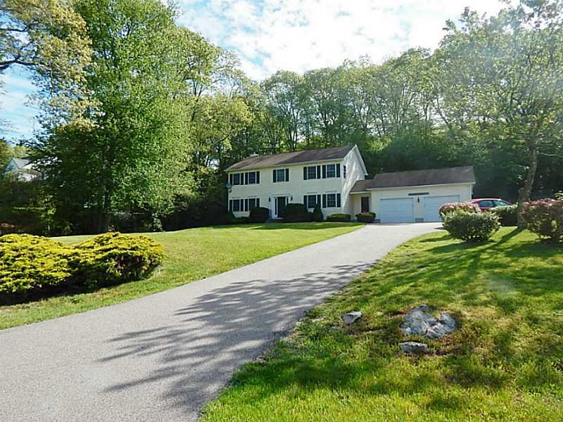122 Castle Hill Rd Pawcatuck, CT 06379