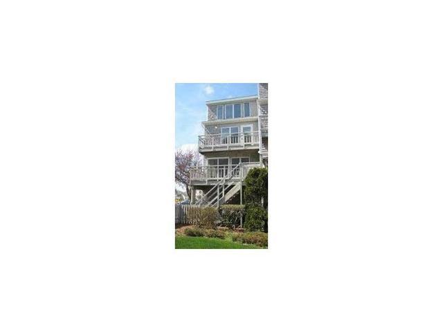 22 Oceanside Pl #32 Narragansett, RI 02882
