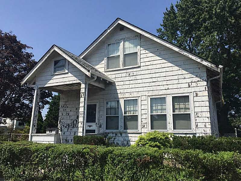 282 Sutton Ave East Providence, RI 02914