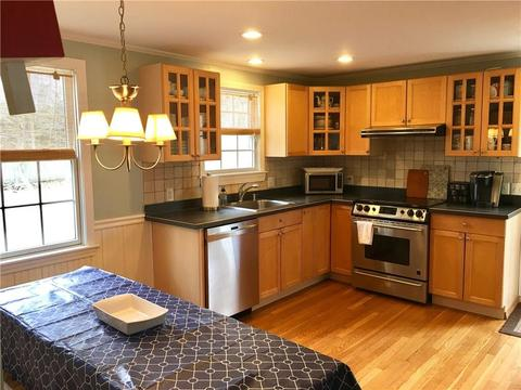 64 Beach Plum Rd, Narragansett, RI (37 Photos) MLS# 1184216 - Movoto