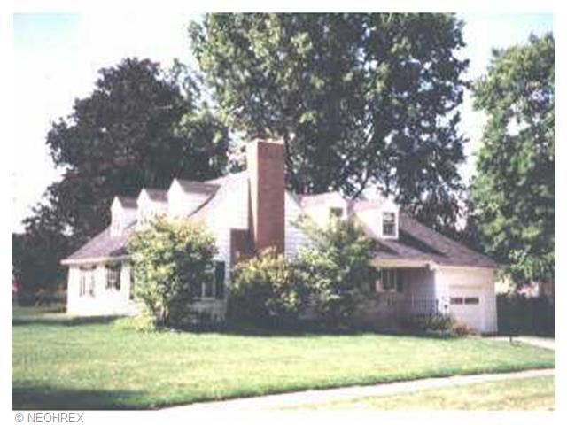 139 Ridgewood Dr, Youngstown, OH