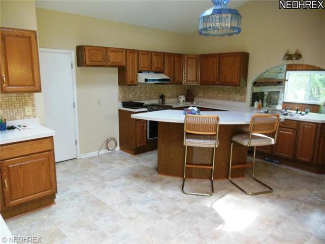 31549 Miles Rd, Chagrin Falls OH 44022