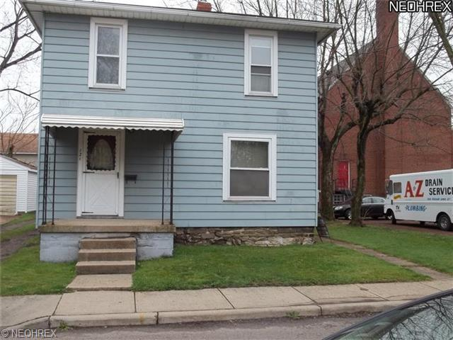 121 Holford Ave, Niles, OH 44446