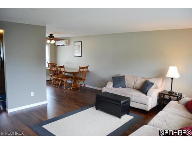 34064 Oak Knoll St, Eastlake OH 44095