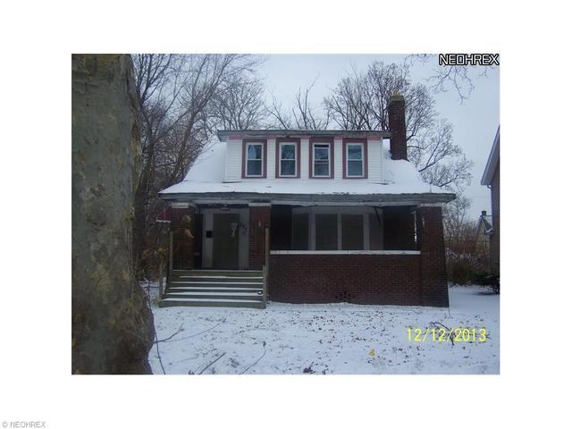 377 Eddy Rd, Cleveland, OH 44108