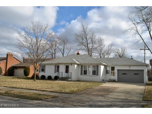 20309 Orchard Grv, Rocky River, OH 44116