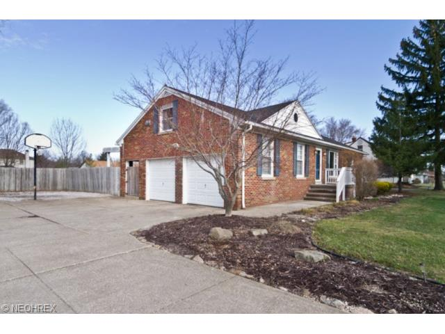 9936 W 130th St, Strongsville OH 44136