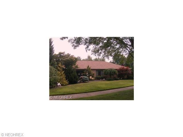 27510 Pineview Dr, Westlake, OH