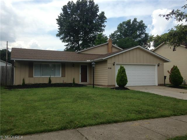 2108 Helmsdale Rd, Cleveland, OH