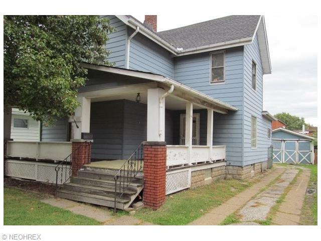 881 Woodward Ave, Akron, OH