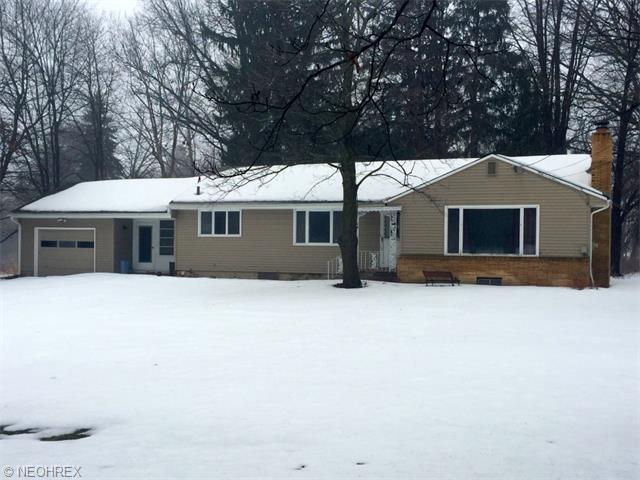 3874 Easton Rd, Barberton, OH