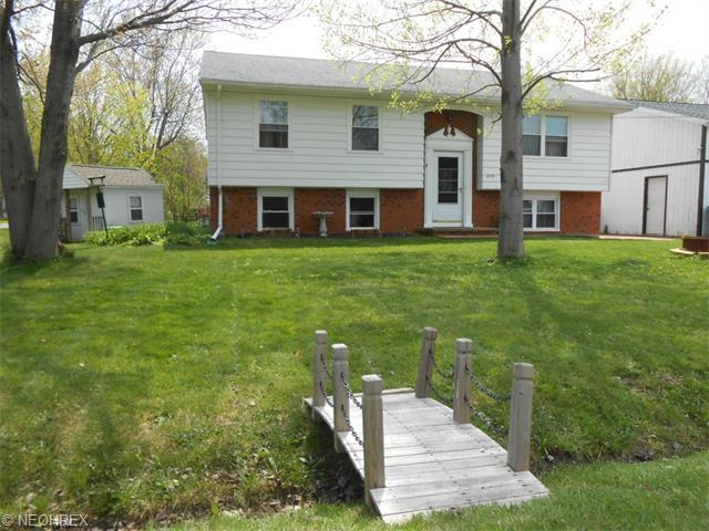 6978 Claymoor Ave, Madison OH 44057
