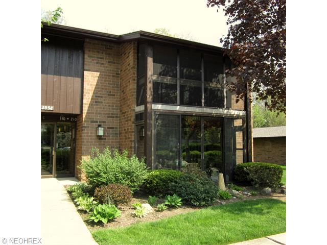 22958 Maple Ridge Rd #APT 210, North Olmsted, OH
