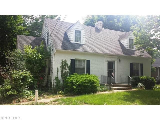 1828 Grafton Rd, Elyria, OH