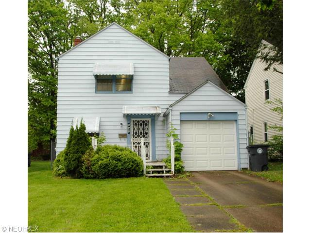929 Packard Dr, Akron, OH