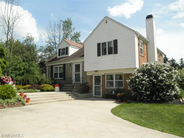 4027 Edgerton Rd, North Royalton, OH