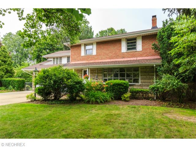 4287 Parklawn Dr, Willoughby, OH