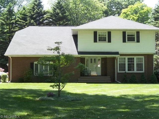 2432 Forest Glen Rd, Madison OH 44057