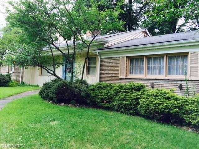 5380 Old Oxford Ln, Youngstown, OH