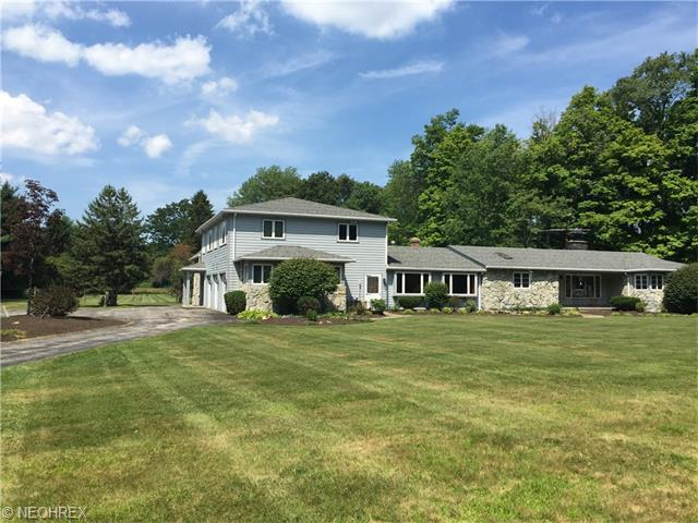 9710 Hobart Rd, Willoughby, OH