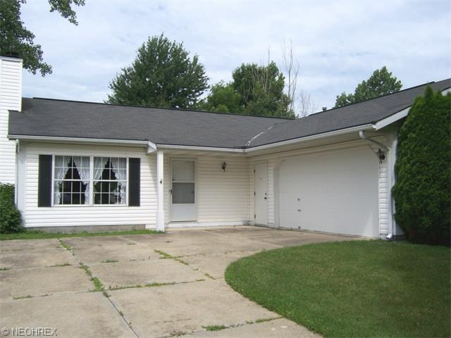199 E Parkway Dr, Madison OH 44057