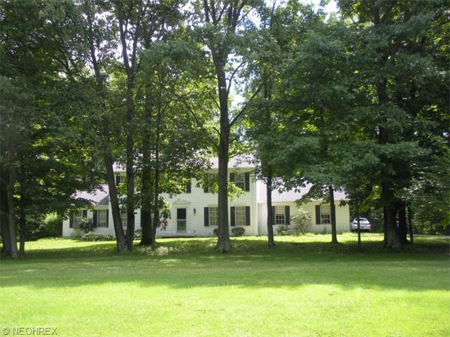 11697 Riverwood Dr, Chardon, OH