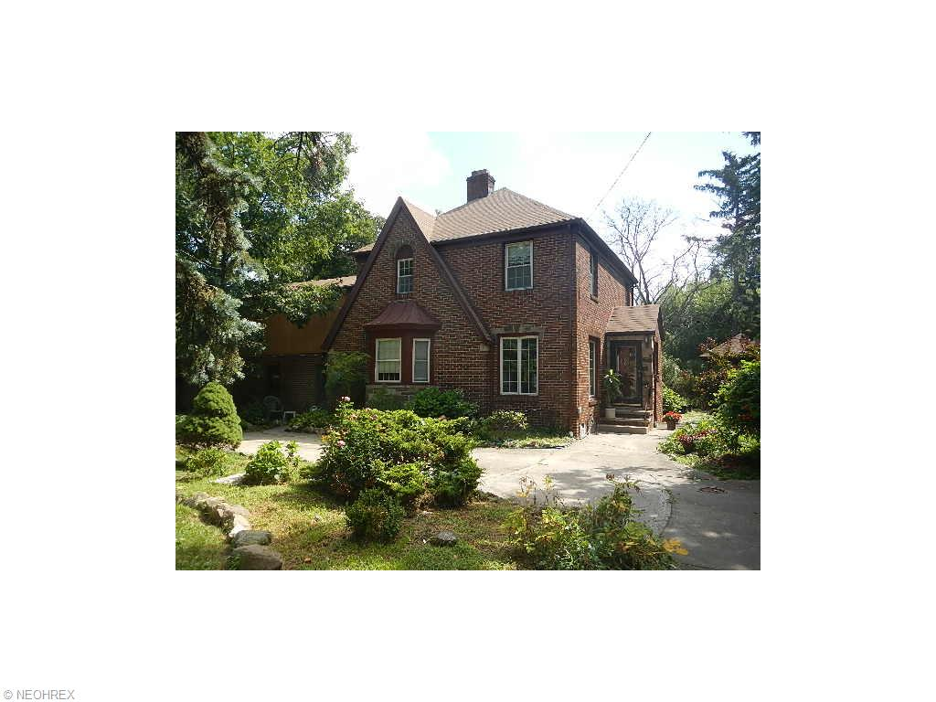 2857 Wooster Rd, Rocky River, OH