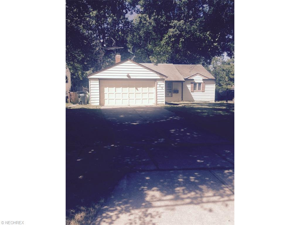 220 Greenvale Dr, Cleveland, OH