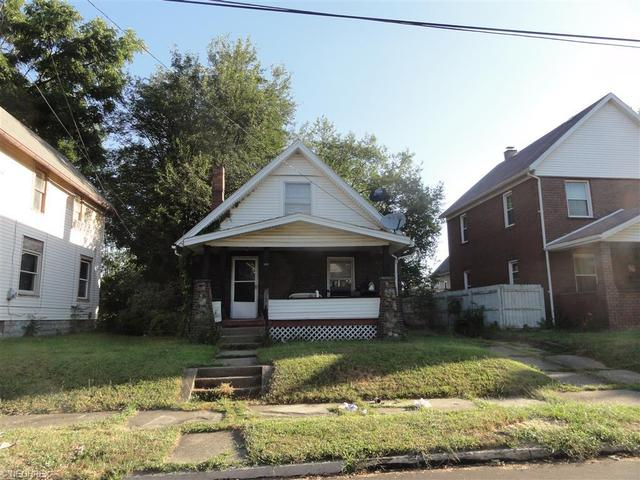 1717 5th St, Canton OH 44707