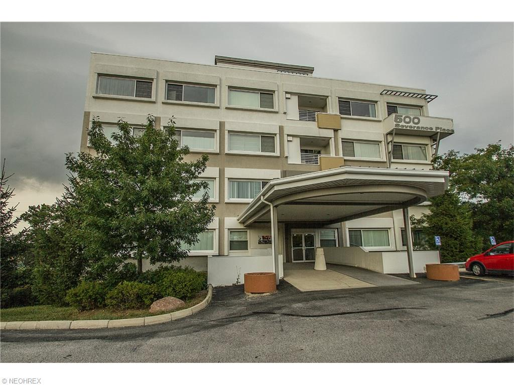 500 Severance Place Ln #APT 301, Cleveland, OH