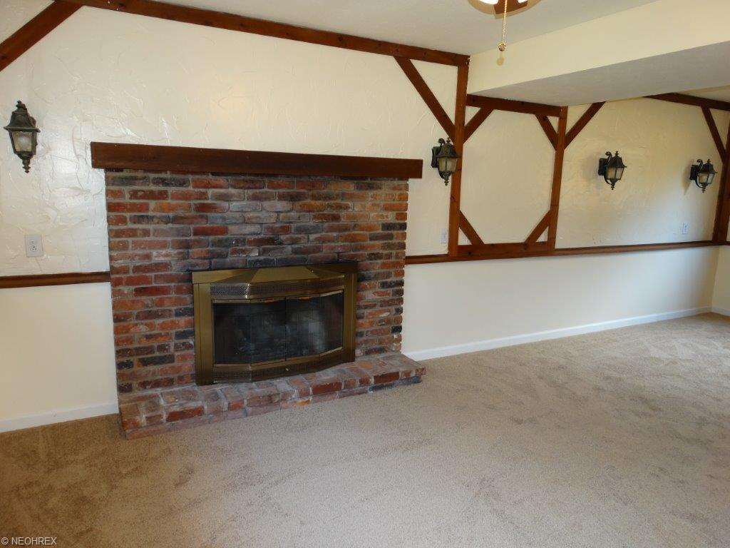 6868 Shelly Dr, Madison OH 44057