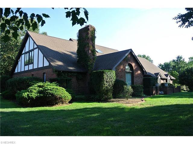 9972 Fitzwater Rd, Brecksville, OH
