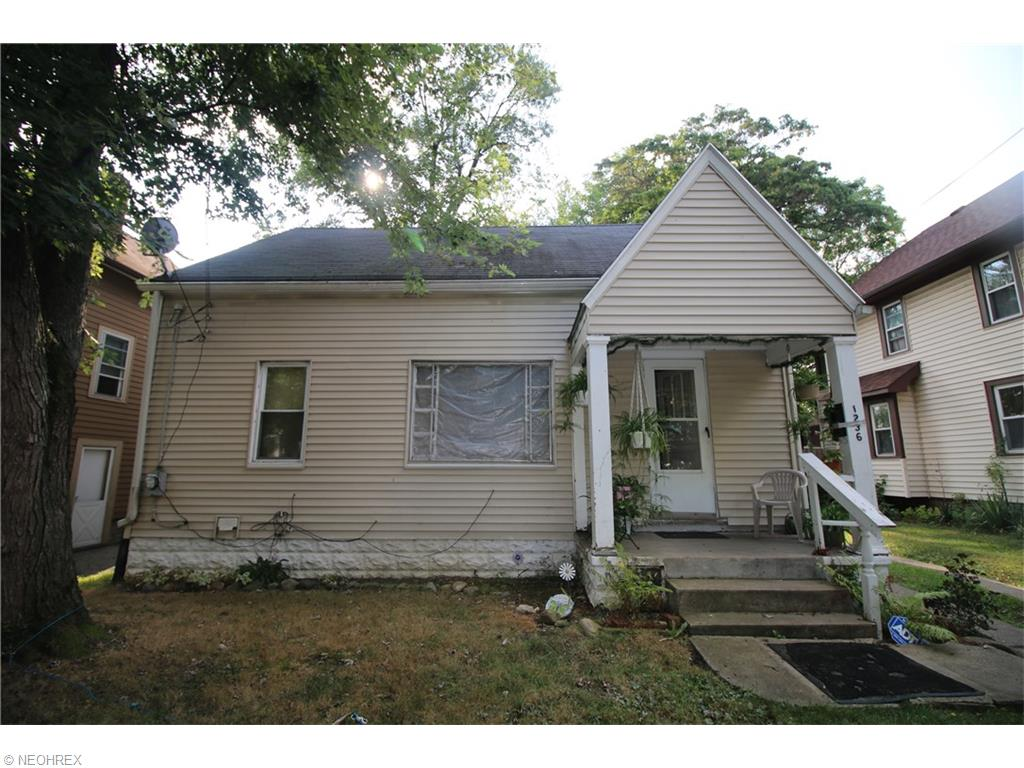 1236 Bellows St, Akron, OH