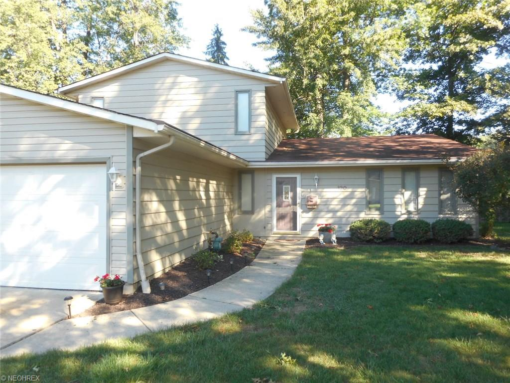 130 Wilshire Ct, Elyria, OH