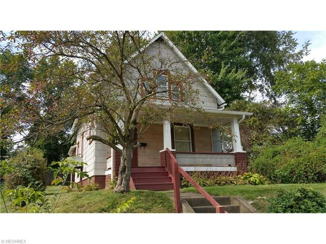 2217 Maple Ave, Canton OH 44714