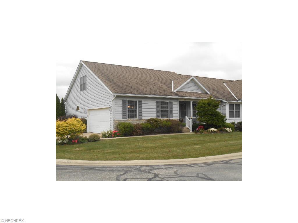 102 Gleneagle Dr, Elyria, OH