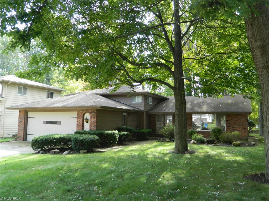 27933 Forestwood, North Olmsted, OH