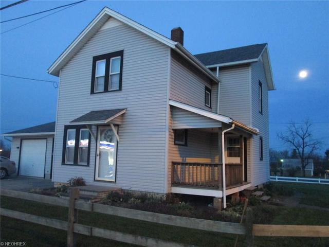 15938 E Berry St, Mount Eaton, OH