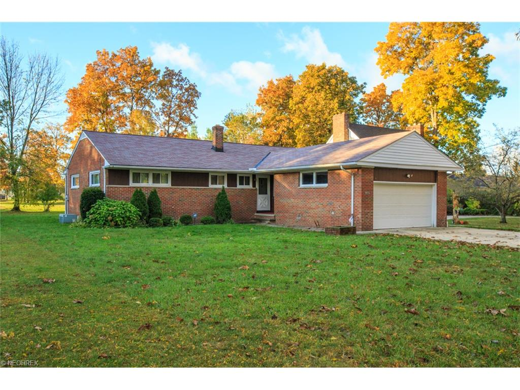 5574 Meadow Wood Blvd, Cleveland, OH